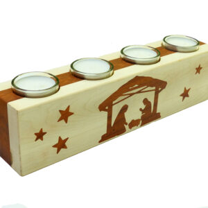 dřevěný adventní svícen s motivem betlému