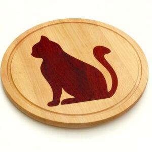 dřevěné kuchyňské prkénko s kočkou