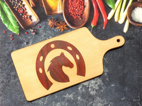 kuchyňské prkénko s koněm